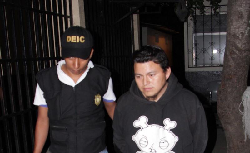Maximiliano Tocay Culajay fue detenido en Villa Nueva. (Foto Prensa Libre: PNC)
