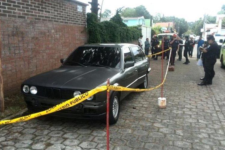 Leila Maricela Quezada, estudiante de la Universidad Mariano Gálvez fue encontrada muerta en el interior del vehículo de su amiga, en zona 2. (Prensa Libre: Erick Ávila).