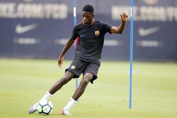 El francés Ousmane Dembélé se ha convertido en la gran sensación en el FC Barcelona y ha creado mucha expectativa. (Foto Prensa Libre: FC Barcelona)