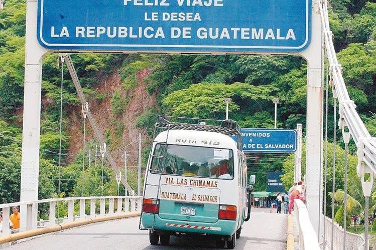 Docente salvadoreño narra tormento que vivió con su familia en viaje a Guatemala cuando hombres armados los asaltaron. (Foto Prensa Libre: Hemeroteca PL)