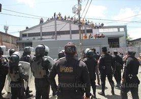 El motín en Gaviotas evidenció la escasa seguridad y la ausencia de protocolos en emergencias. (Foto Prensa Libre: Hemeroteca PL)