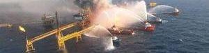 Ocho barcos sofocan incendio