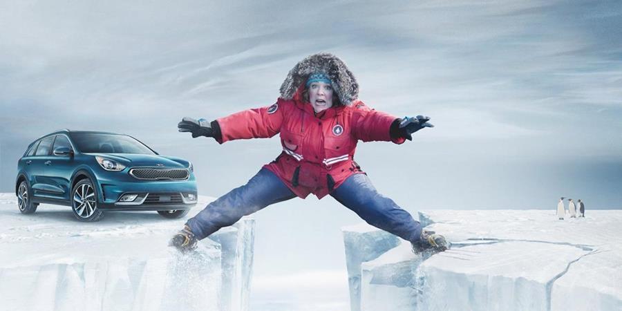 Melissa McCarthy protagoniza el anunció de la marca de autor Kia, que aparecerá en el Super Bowl. (Foto Prensa Libre: YouTube)