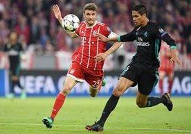 Un intenso duelo se vive en el Allianz Arena en la semifinal de ida entre el Bayern Múnich y Real Madrid.