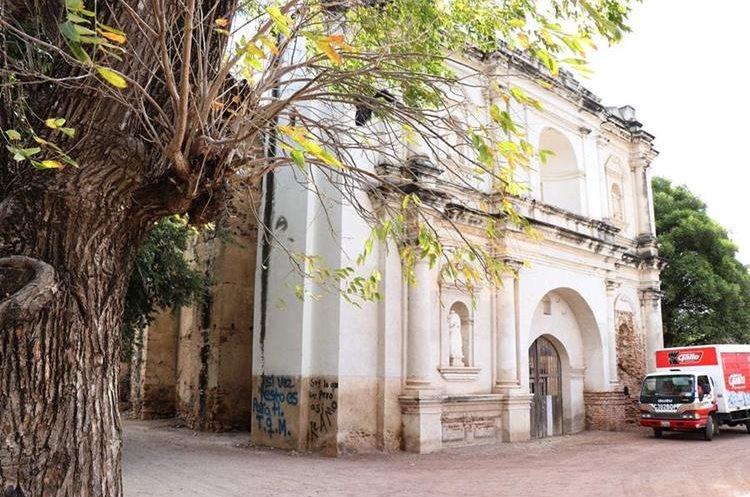 La Iglesia Santísima Trinidad, que se halla en la zona 5 de Chiquimula, fue construida en 1620. (Foto Prensa Libre: Mario Morales)