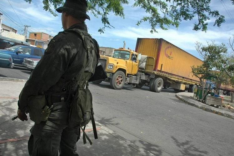 El Gobierno ha reforzado la vigilancia policial, por la violencia en Caracas. (Foto: Hemeroteca PL)