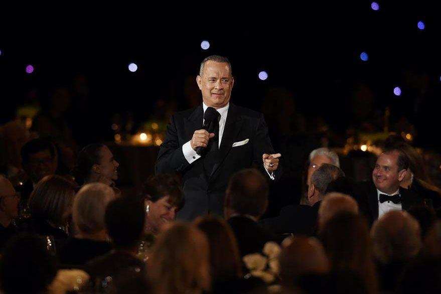 Tom Hanks calificó de Chan-tástico al actor originario de Hong Kong.