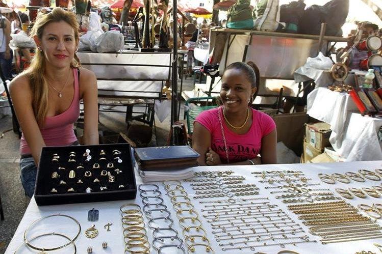 El turismo y el comercio de artesanías se reactivaron por visita del Papa Francisco a Cuba.