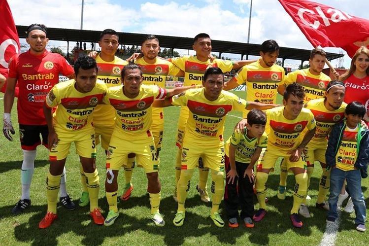 Deportivo Marquense deberá tener una mejor actuación en el torneo Clausura para salvar la categoría. (Foto Prensa Libre: Raúl Juárez)