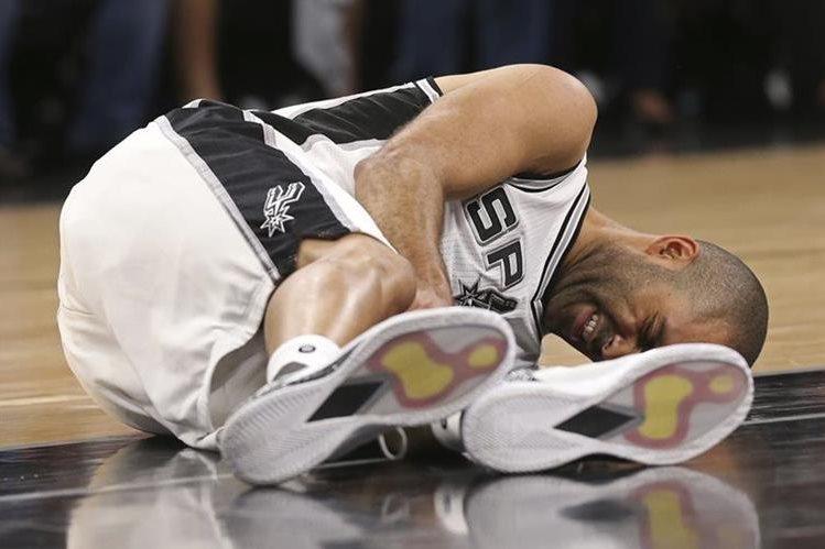 Tony Parker sufrió la rotura de un tendón de la pierna izquierda y se perderá el resto de la temporada. (Foto Prensa Libre: AP).
