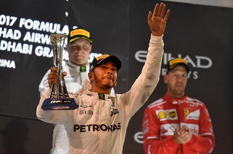 Lewis Hamilton se consagró con su cuarto titulo, y quedó segundo en la última fecha del Mundial de F1. (Foto Prensa Libre: AFP)