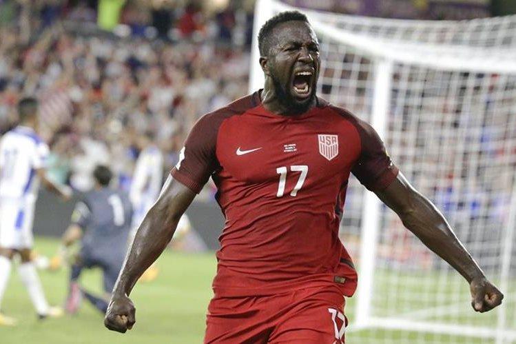 Jozy Altidore celebra uno de los dos goles que marcó en el triunfo de Estados Unidos contra Panamá. (Foto Prensa Libre: AP).