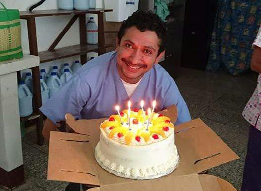 El médico José Alfredo Cardona trabajaba como traumatólogo en centros asistenciales de Izabal. (Foto Prensa Libre: Internet)
