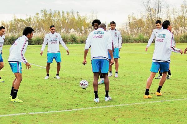 Colombia en el penúltimo entrenamiento que desarrolló en tierras argentinas (Foto Prensa Libre: EFE)