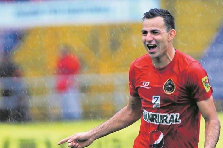 Marco Pappa podría seguir vistiendo los colores de Municipal. (Foto Prensa Libre: Hemeroteca)