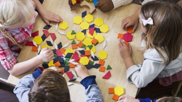 Los conceptos matemáticas que aprendemos en la escuela no tienen aplicaciones en el mundo de todos los días, señala la experta. GETTY IMAGES