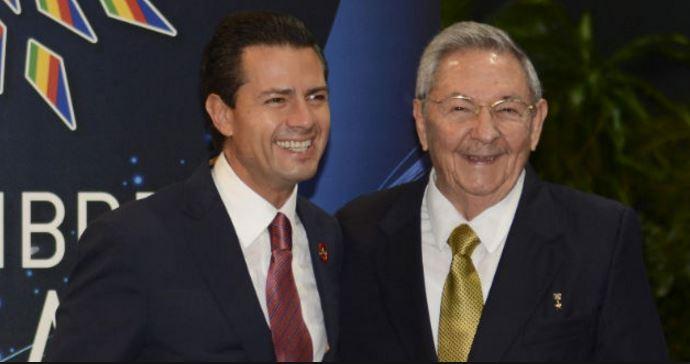 Enrique Peña Nieto, presidente mexicano (izquierda) y Raúl Castro su par cubano (derecha), reunidos durante la cumbre de la Celac en enero del 2014 en La Habana. (Foto: Hemeroteca PL).