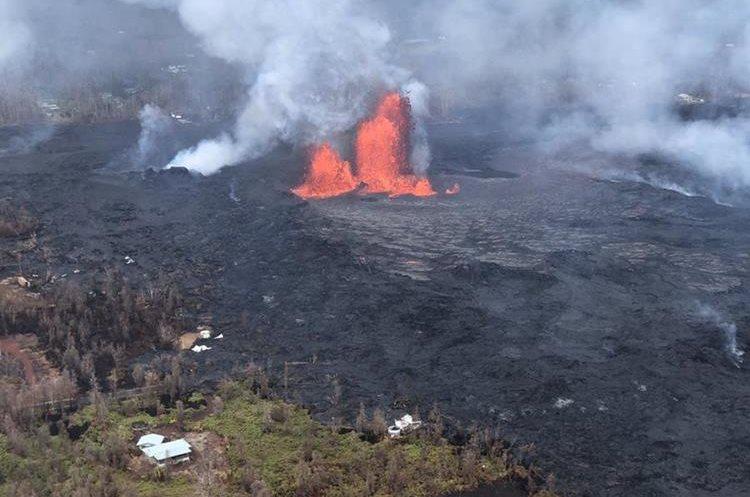 Volcán de Hawái entra en erupción, arrojando lava y provocando miles de personas evacuadas. (AFP).