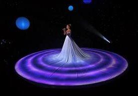 JLo cautiva con novedoso vestido. (Foto Prensa Libre: Tomado de YouTube)
