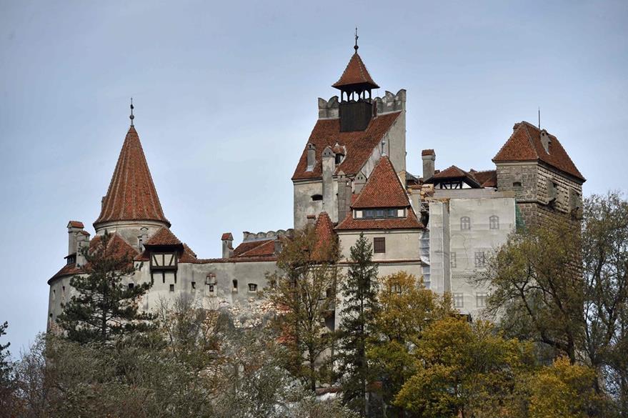 Una vista exterior del castillo de Bran se representa en Bran, Rumania.  (Foto Prensa Libre: AFP).