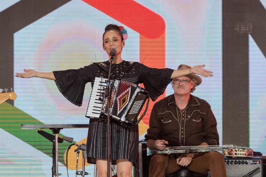 La hija de la frontera, Julieta Venegas.