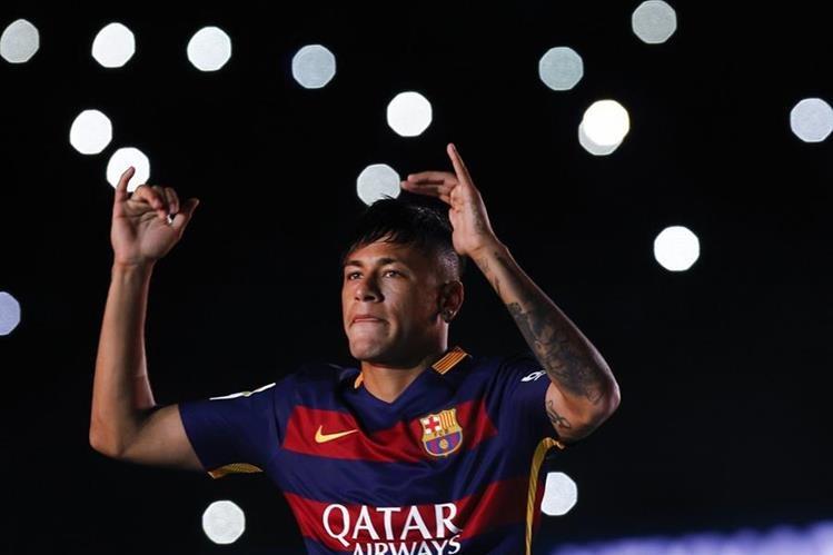 El Barcelona informó ayer que Neymar estaría fuera por dos semanas. (Foto Prensa Libre: AFP)