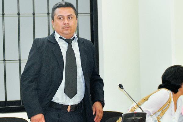 Guillermo Casildo Pérez,  subcomisario de la PNC, fue declarado inocente en el juicio que se llevó en su contra, en Quetzaltenango. (Foto Prensa Libre: Alejandra Martínez)
