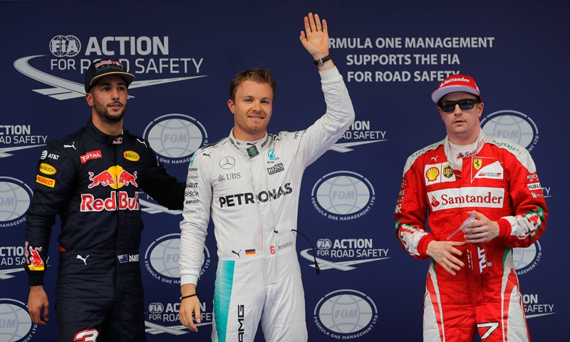Nico Rosberg celebra la pole conseguida esta mañana en China. (Foto Prensa Libre: AP)