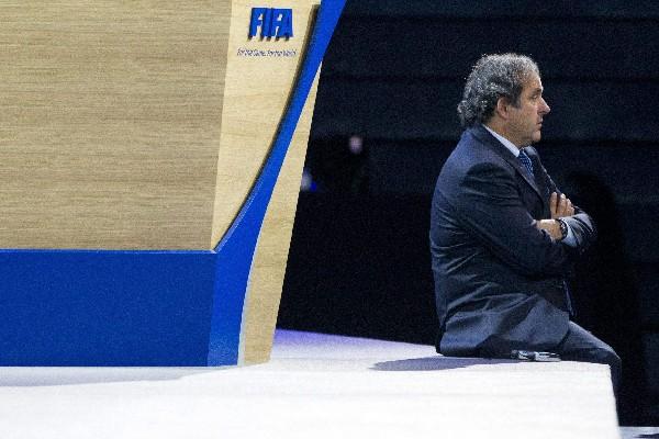 Michel Platini sería suspendido varios años, según el vocero de la Comisión de Ética de la Fifa. (Foto Prensa Libre: EFE)