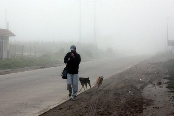 <p>Bajas temperaturas afectan a municipios de Quetzaltenango. (Foto Prensa Libre: Carlos Ventura)<br></p>