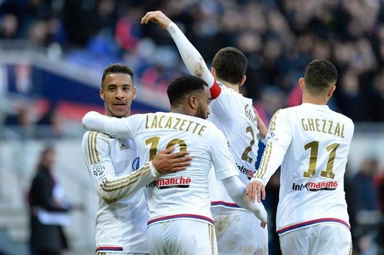 El Lyon alcanzó el tercer lugar de la Ligue 1 este domingo. (Foto Prensa Libre: EFE)