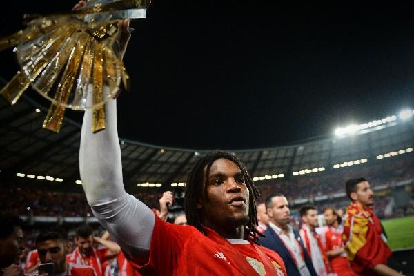 El mediocampista Renato Sanches es la nueva incorporación del Bayern Munich. (Foto Prensa Libre: AFP)