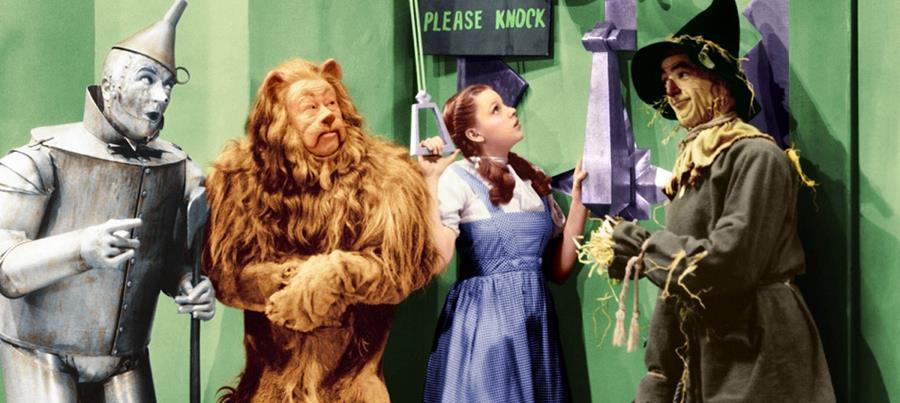 El vestido usado por Dorothy en Mago de Oz fue subastado. (Foto Prensa Libre: Hemeroteca PL)
