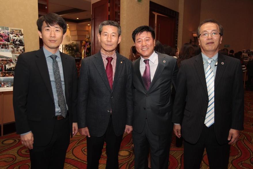 Shim Dong   Wok, Kyung Soo Lee, Kim Haeng Bok  y Hong Chan Kim. (Foto Prensa Libre: Edwin Castro)