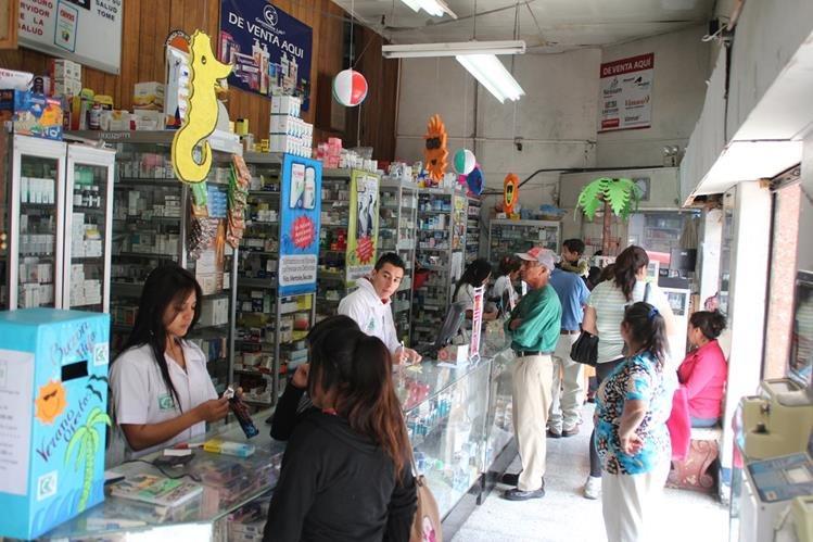 Las inspeccions en farmacias continuarán según el ministerio de Salud. (Foto Prensa Libre: Hemeroteca PL)