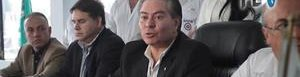 Mario Estrada (centro).