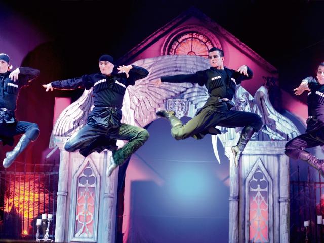 El elenco lo conforman 40 artistas circenses.