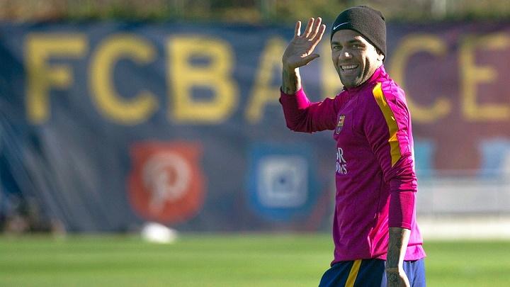 El brasileño Dani Alves no continuará con el FC Barcelona en la siguiente temporada. (Foto Prensa Libre: Hemeroteca)