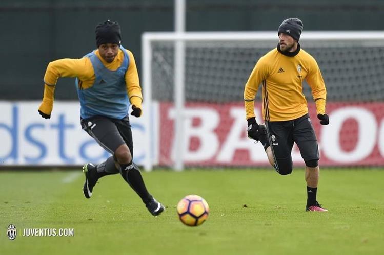 La Juventus de Turín expone su liderato en la próxima jornada donde se enfrenta al Atalanta. (Foto Prensa Libre:Juventus de Turín )