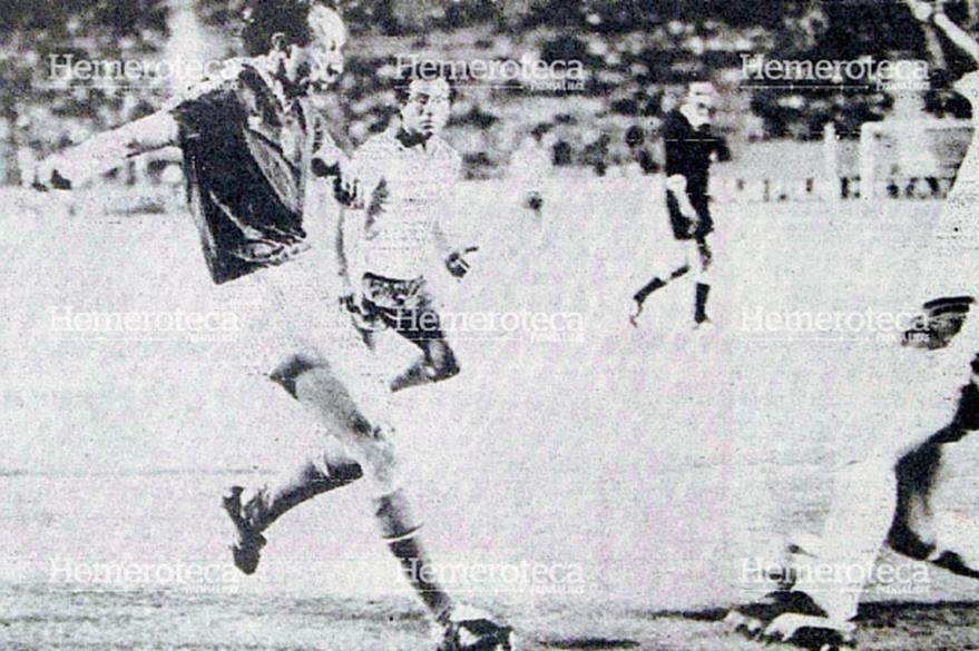 El húngaro Kiss, a los 24 minutos del segundo tiempo, anotó el sexto gol para su selección. (Foto: Hemeroteca PL)