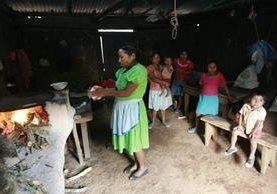Pobladores de la aldea Las Tablas, Chiquimula, viven en abandono en cuanto a necesidades básicas de salud, educación y nutrición. (Foto Prensa Libre: Hemeroteca PL)