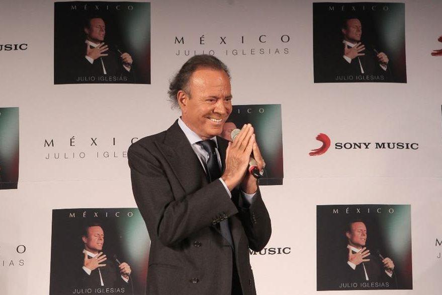 Julio Iglesias presentó su último álbum de estudio. (Foto Prensa Libre: EFE)