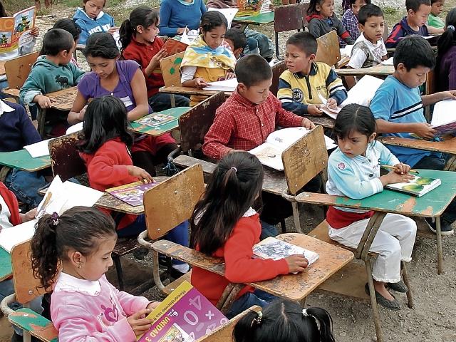 Las carencias educativas del país hacen necesario contar con maestros mejor preparados en lo académico y pedagógico.