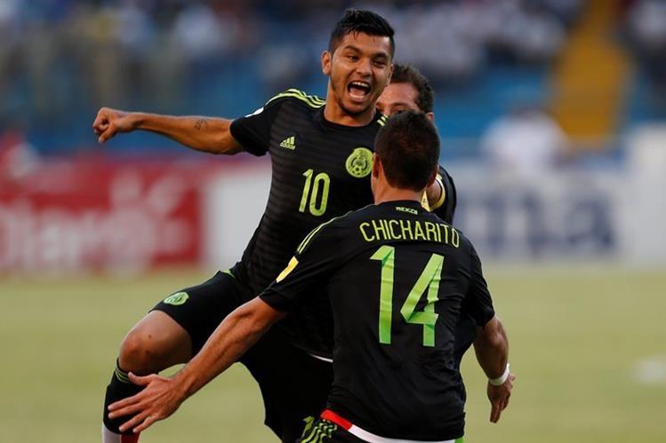 Jesús Corona anota el primer gol para México, que venció a Honduras en San Pedro Sula. (Foto Prensa Libre: AP)