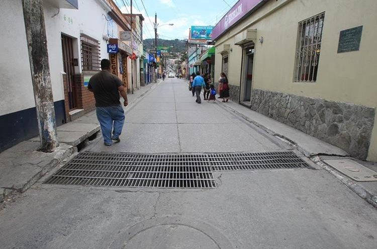 Así luce actualmente la Calle Real de Mixco. (Foto Prensa Libre: Estuardo Paredes).