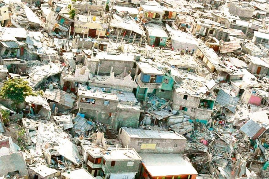 Vista de la destrucción en un barrio pobre de Puerto Príncipe en Haití tras el Terremoto del 2010. Foto: EFE