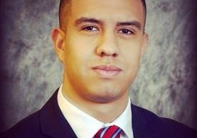 Jhonathan Morales está por graduarse en la Facultad de Derecho de la universidad de Charlotte.