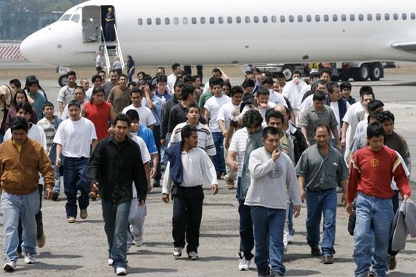 <p>Hasta el 24 de octubre se registran 33 mil 290 deportados desde Estados Unidos. (Foto Prensa Libre: Archivo)</p>
