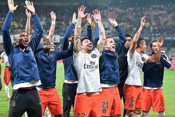 Los jugadores del PSG tienen una motivación extra al ser los mejores pagados. (Foto Prensa Libre: AFP)