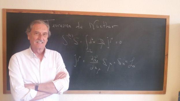 El profesor de Física Manuel Lozano Leyva se declara un enamorado del teorema de Noether. MANUEL LOZANO LEYVA